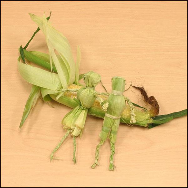 Листья кукурузы поделки